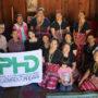 カレン民族の女性たちと記念撮影